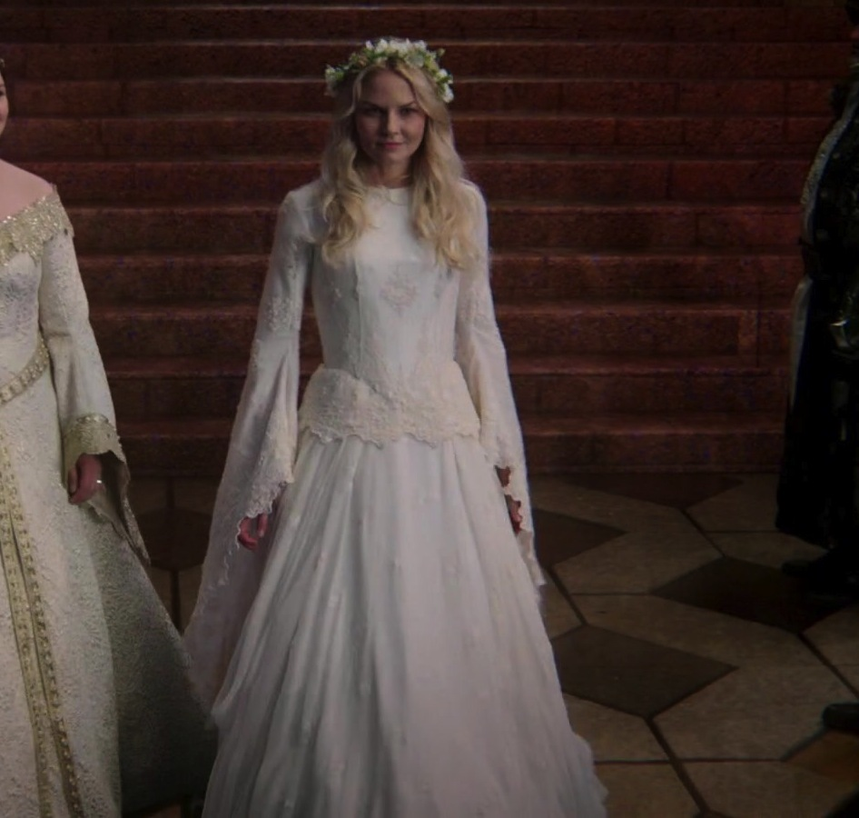 Once upon a time dresses pictures to pin on pinterest for Snow white wedding dress once upon a time
