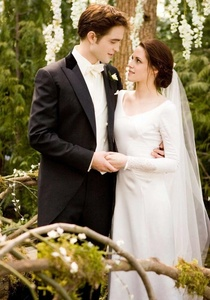 When did Bella marry Edward?