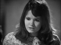 Which actress portrayed the 秒 Doctor's companion, Victoria Waterfield?