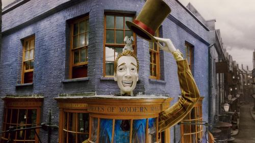 What's the address of Fred & George's shop?