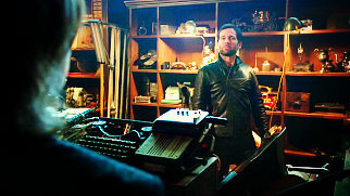 """1x19 """"The Return"""", August is trying to sneak into Mr. Gold's shop, but सोना catches him. What does August say he is doing in the shop?"""