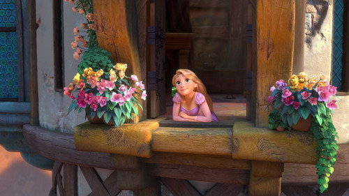 What is the name of the actress that voices Rapunzel?