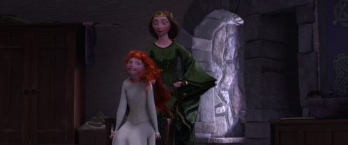 How many dress does Merida wear throughout the movie? (Not counting white underwear dress)
