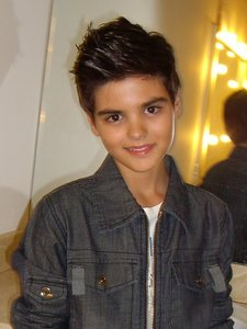 how old is abraham mateo in this picture?