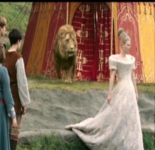 In the film LWW how many times did Jadis speak to Peter?