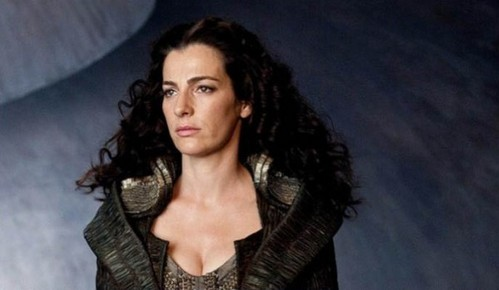 Which actress portrayed Lara Lor-Van?