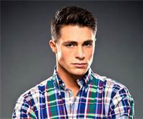 Colton Haynes (Roy Harper) played a werewolf on what other tampil besides Teen wolf?