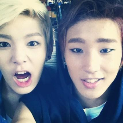 Which M_V Yongguk hits Zelo's head with Jongup's head?