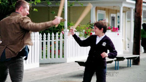 """2x03 """"Lady of the Lake"""", when David and Henry are playing with swords, who is watching them?"""