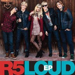 Does Laura like r5?