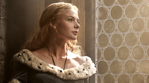 Who plays Elizabeth Woodville?