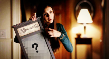 """4x12 """"A View to a Kill"""", when Elena Is talking on the phone with Kol, she writes something on the blackboard for Matt. What does she write?"""