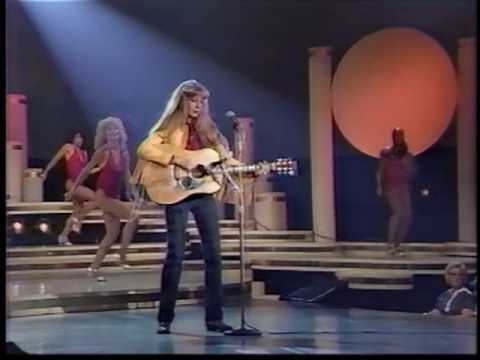 """Juice Newton made her national television appearance on """"Solid Gold"""" back in 1982"""