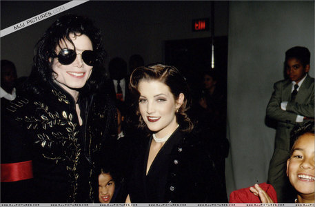 This photograph of Michael and Lisa Marie was taken backstage at The Jackson Family Honors awards ceremony back in 1994