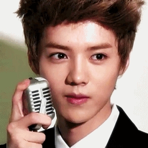 Out of these korean names, which one is Luhan's korean name (in hangul)?