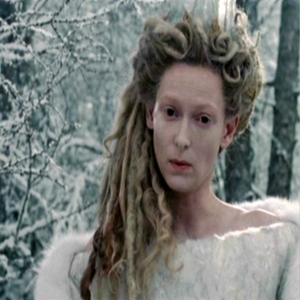 Did Jadis take Digory and Polly by the hand True or False?