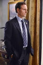 Which of Fitz's Secret Service agents is the one who did him the favor by telling the reporter?