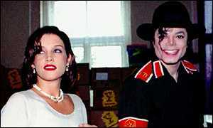 What country was this photograph of Michael and Lisa Marie taken