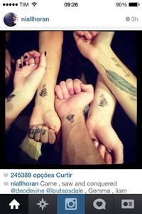 """A """"tatto"""" de Niall é falsa?"""