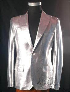 "This is the silver metallic sports কোট Michael wore in the 2009 film, ""This Is It"""