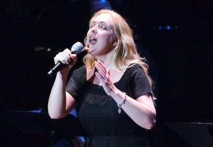 Country-western singer/songwriter, Mindy McCready, passed away earlier this বছর