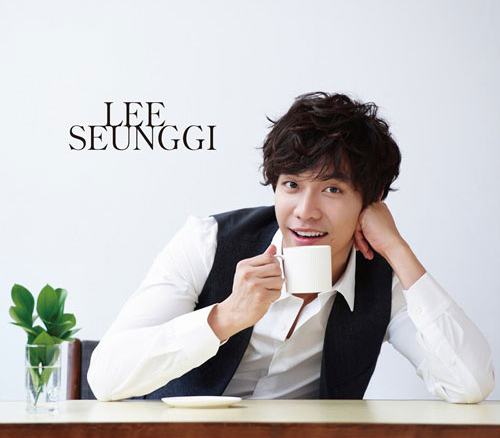 What are Lee Seunggi 팬 called?