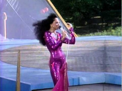 What tahun did Diana Ross give a free konsert in New York's Central Park