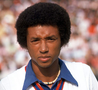 What year did did tennis legend, Arthur Ashe, pass on
