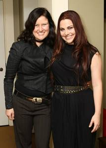 ¿What is the name of the new song of Amy Lee performed in November 7th with Paula Cole?
