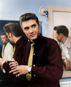 What film did Elvis makes make his motion picture debut