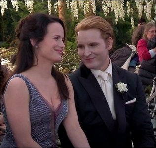 T/F Carlisle and Esme fell in love & got married soon after he changed her.
