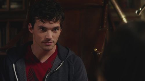 Who are the only people who know about Aria's relationship with Ezra, her teacher/boyfriend?
