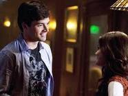 What did the note Aria left in Ezra's apartment say?