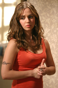 Who brought Faith back to sunnydale after she broke out of prison and helped Angel?
