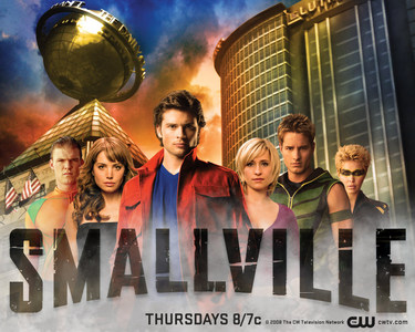 How many actors appeared in both Desperate Housewives & Smallville?