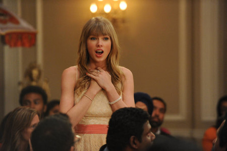 "Who did Taylor starred in ""New Girl""?"