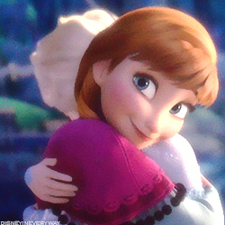 Who voiced the Anna in lithuanian dub of Frozen?