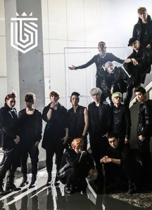 Who is the leader of Topp Dogg?