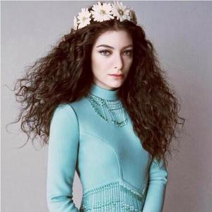 Which award did Lorde win at the Brit Awards 2014?