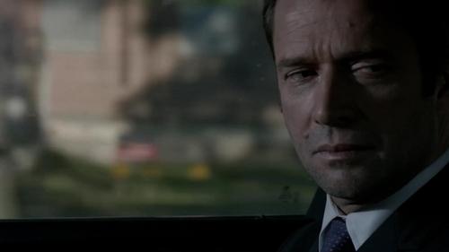 Who did Joe strangle in the car upon his escape?