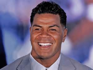 What jaar did Junior Seau pass on