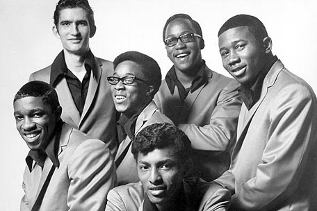 R&B music group, the Bar-Kays, died alongside Otis Redding in a plane crash back in 1967
