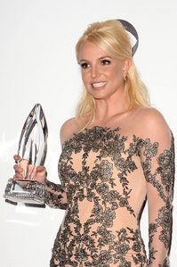 As of 2014 How many people choice awards has Britney won?