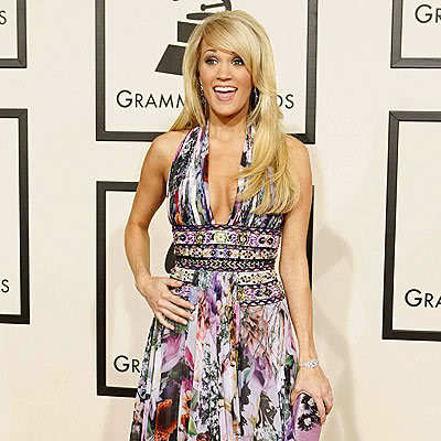 What is Carrie's dress size?