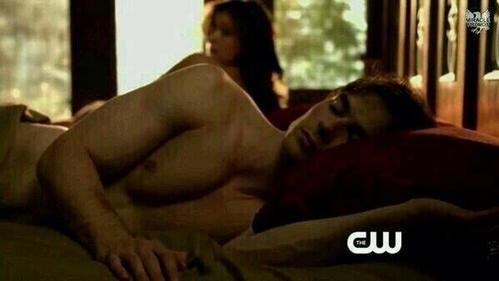 In the beginning of 5x17, how long was Damon already awake for?