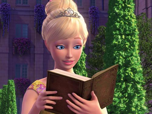 Qual o nome da Barbie em Porta Secreta?/What is the name of Barbie on Secret Door?