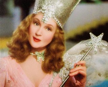"""True ou False: Darrin uses """" Glinda the good witch of the North"""" as a reference as to why they should not use ugly witches for Halloween Candy?"""