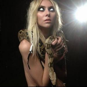 What videoclip is this picture from?