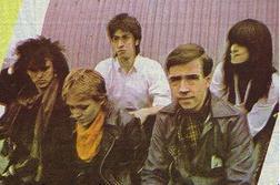 Pete's sebelumnya band before Dead atau Alive was called...