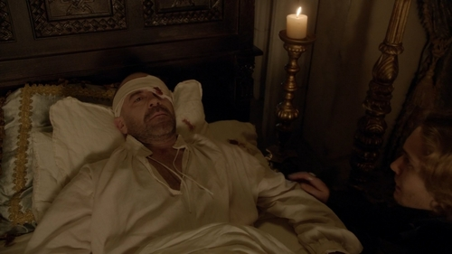 At the end of 2x07, who doesn't know yet the truth of King Henry's death?